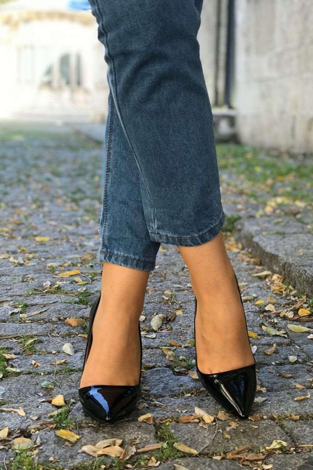 Rugan Stiletto Ayakkabı - SİYAH