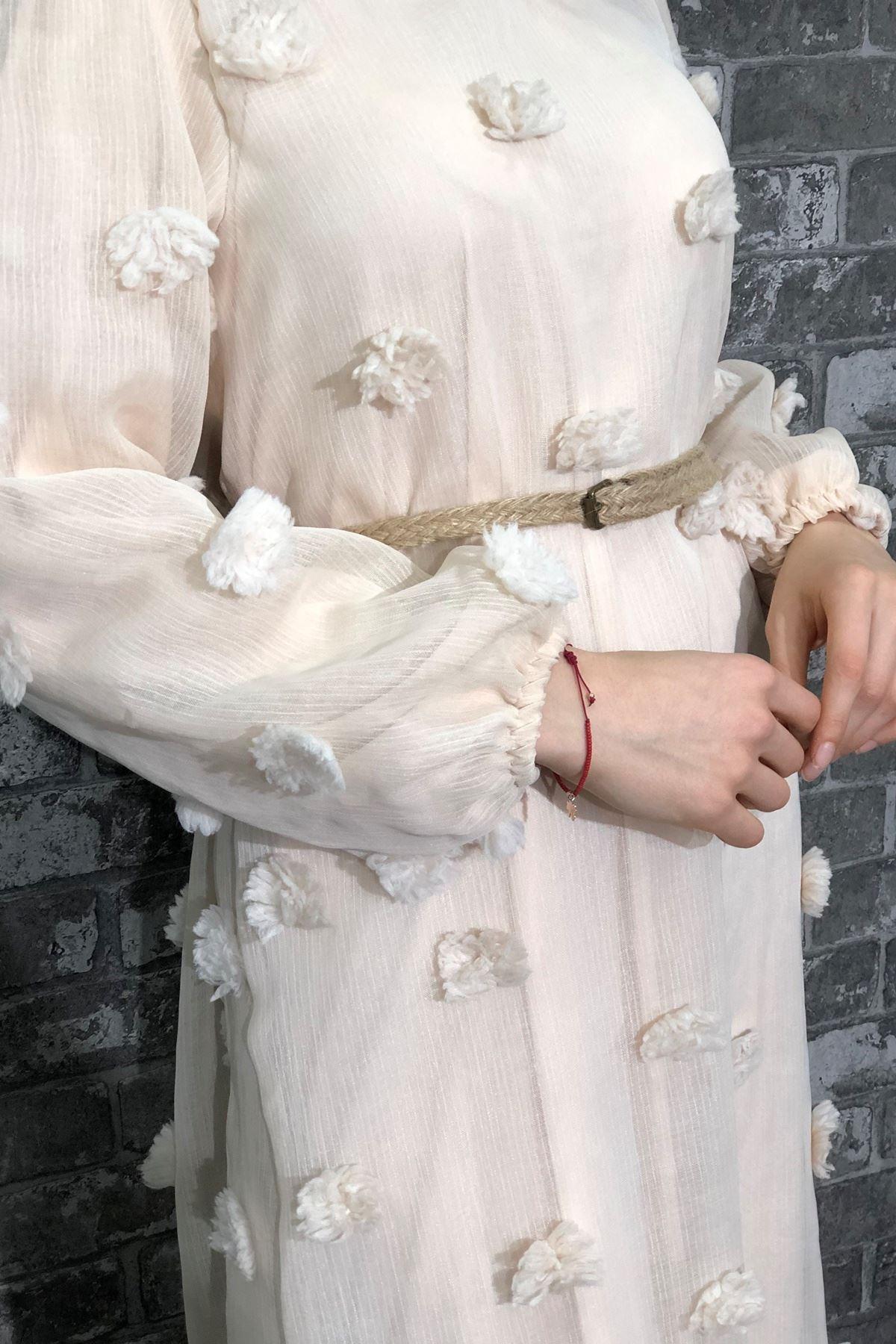 Ponpon Detaylı Kemerli Elbise - Krem