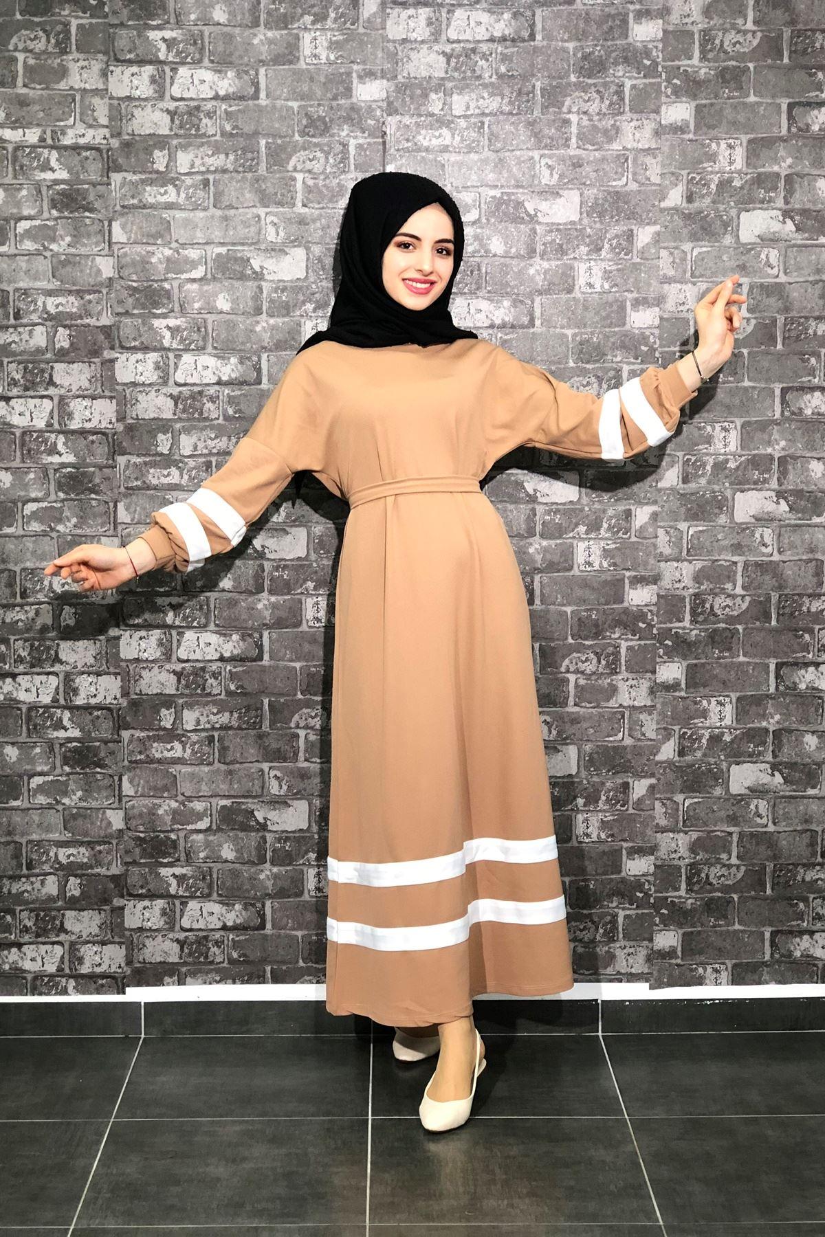 Şeritli Tesettür Elbise - Camel