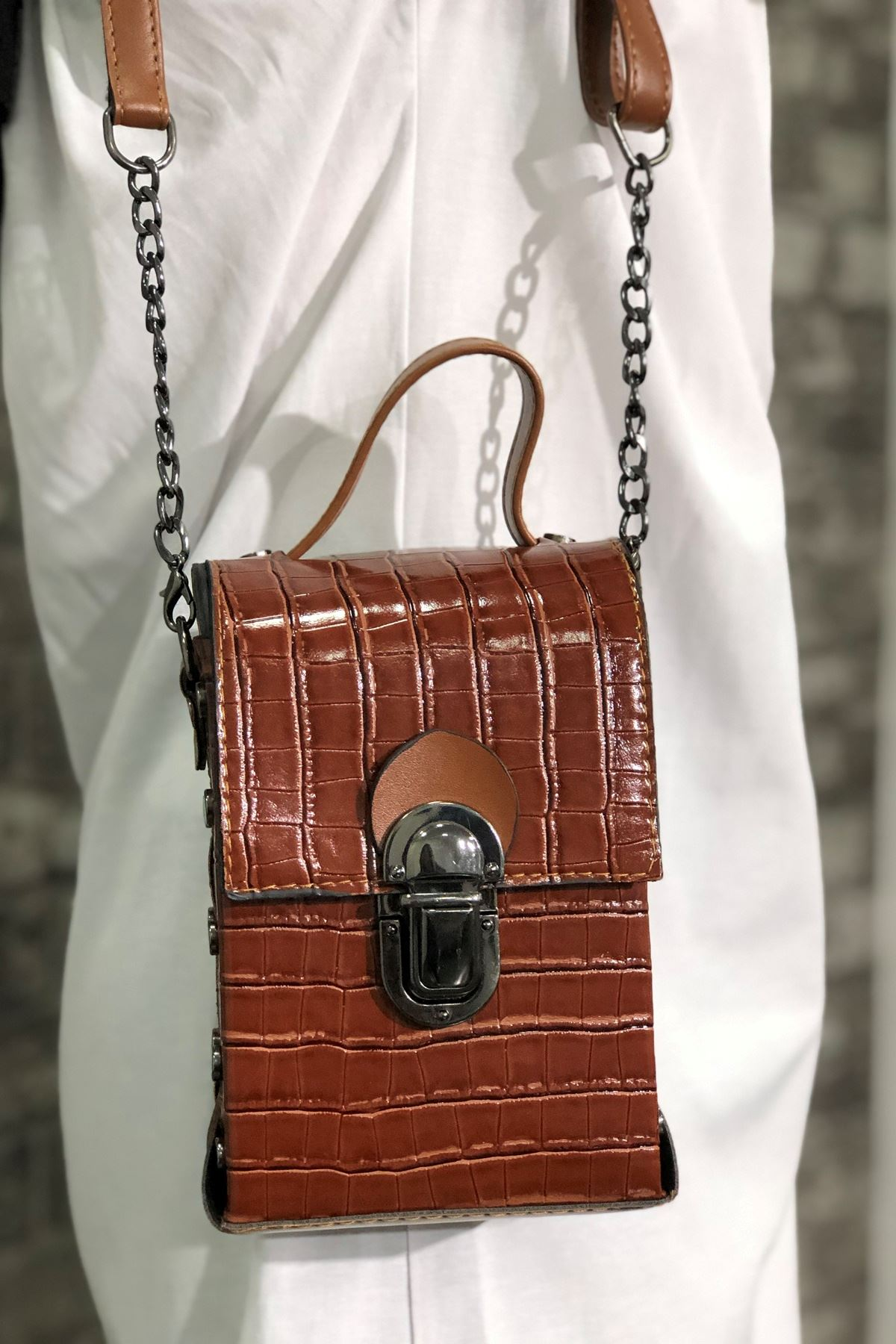 Zımba Detaylı Omuz Çanta - Kahverengi