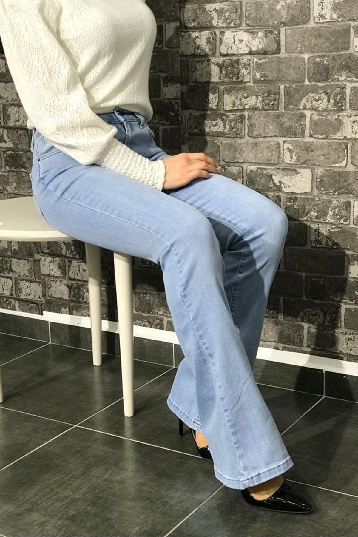 Likralı İspanyol Paça Kot Pantolon - Açık Mavi