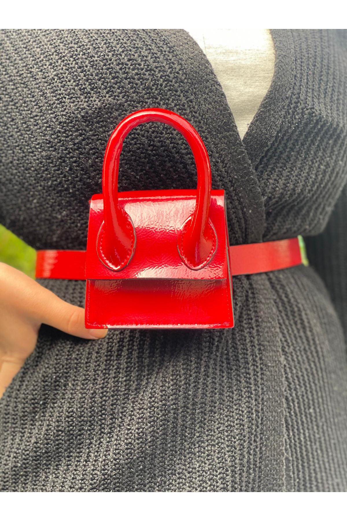 Mini Zincirli Kemerli Çanta - Kırmızı