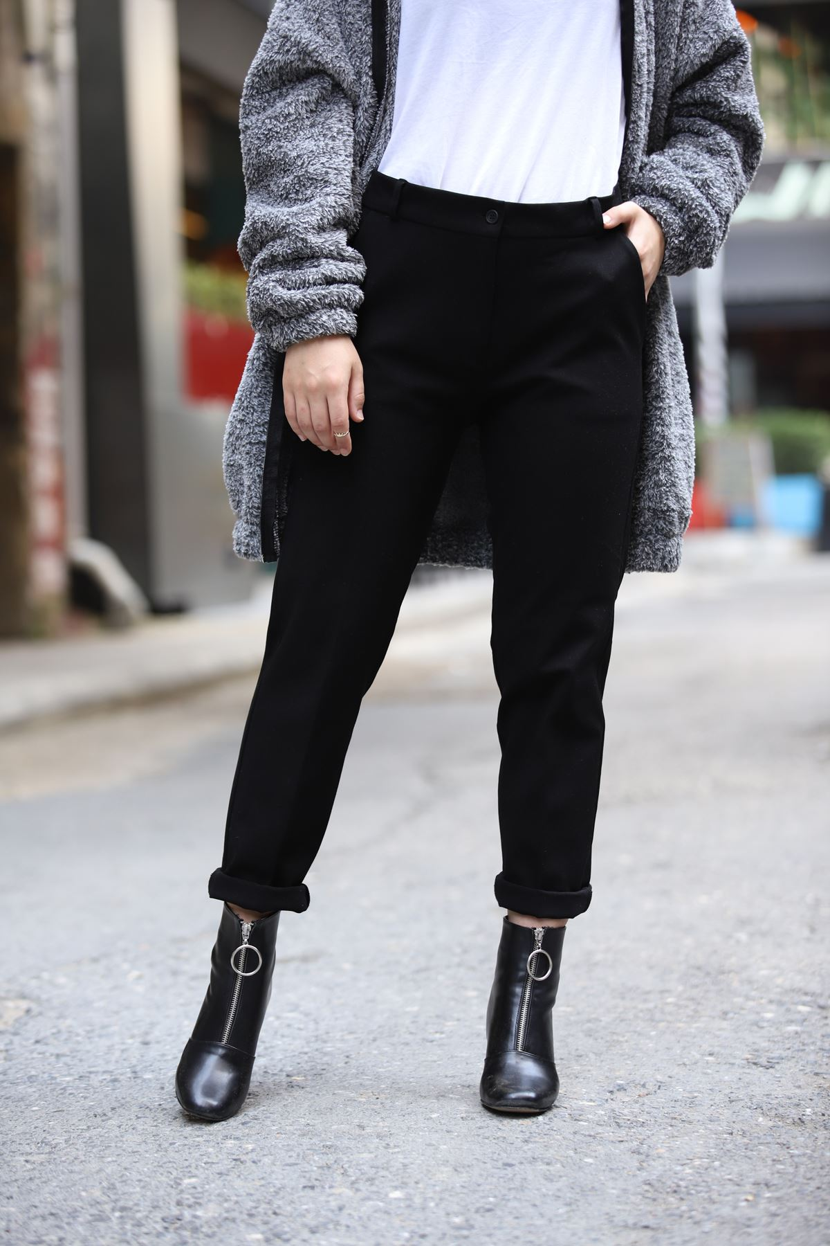 Likralı Dar Paça Pantolon - Siyah